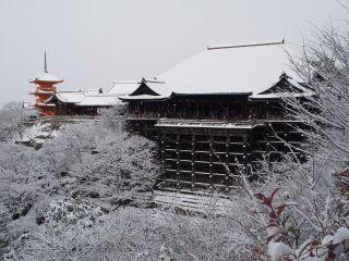 雪の清水寺 本堂全景