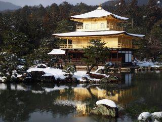 雪の金閣寺1