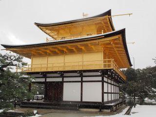 雪の金閣寺4