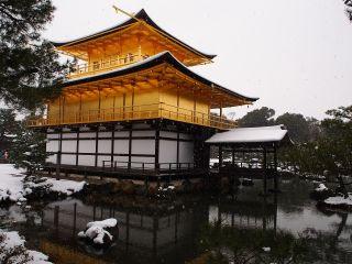 雪の金閣寺5